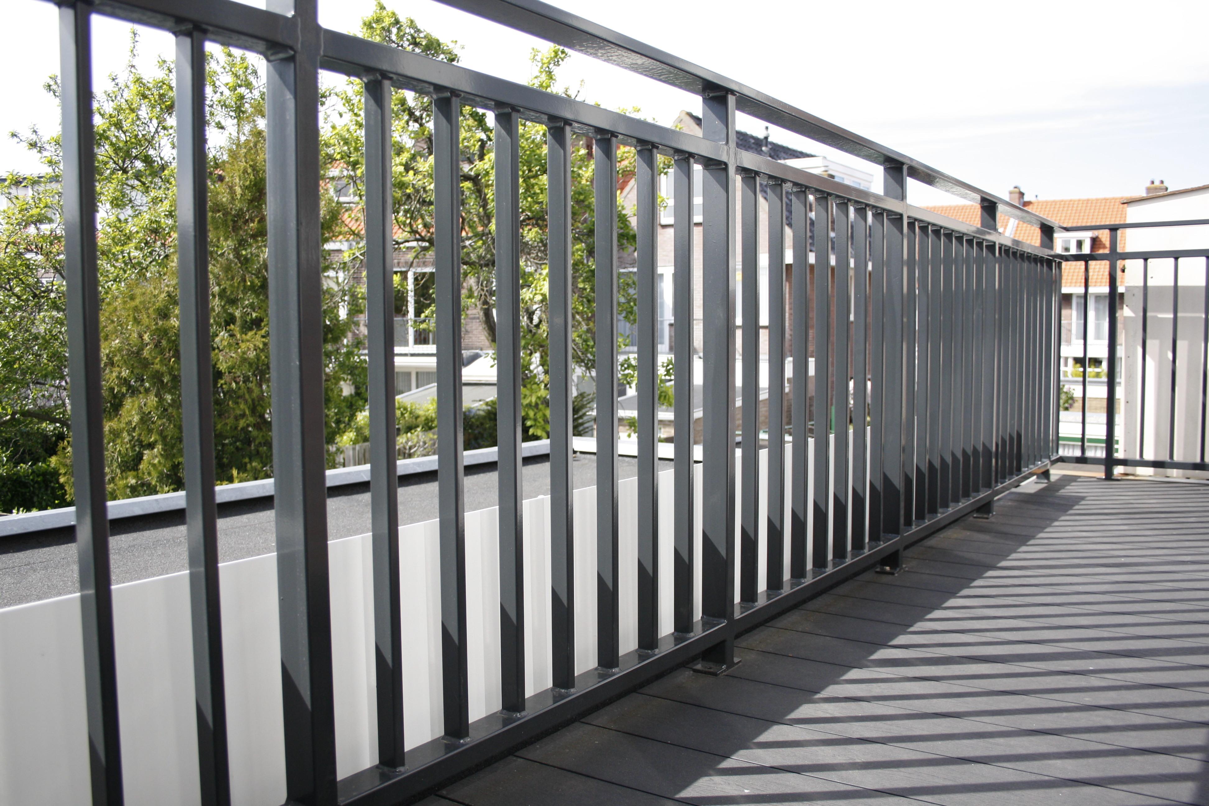 Balkonhekwerk antraciet poedercoating balkonhek rechthoekige koker - Deco voor terras ...